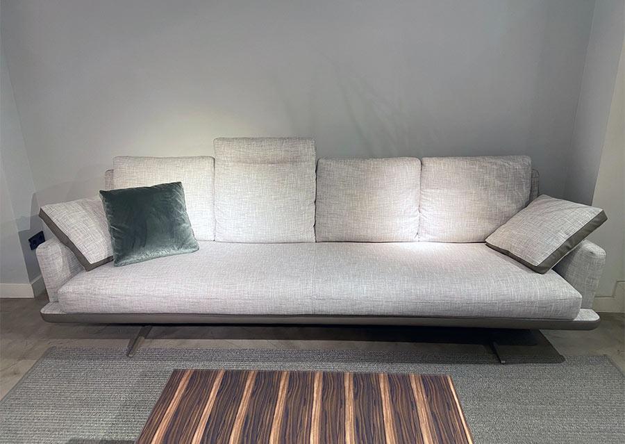CASADESUS-sofa-AIRLINE-outlet-Deslan